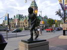 Original title:    Description Terry Fox statue in Ottawa, Canada. Date 18 August 2007, 18:36 Source Terry Fox Uploaded by Skeezix1000 Author abdallahh from Montr�al, Canada