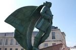Titre original :    Description Français : Place de Châlons en Champagne contenant uns sculpture de Jean Talon . Date avril 2011 Source Own work Author Garitan
