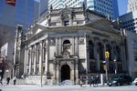 Original title:  Bank of Montreal, built in 1886, northwest corner of Yonge Street and Front Street, Toronto. Now the home of the Hockey Hall of Fame. Wikimedia Commons, image posted by SimonP, April 2005. Used under CC BY-SA 3.0.