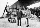 Titre original :  (War Trophy) Major W.A. Bishop and Lt. Col. W.G. Barker in front of a Fokker D. VII.