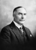 Titre original :  Hon. Sir James Alexander Lougheed, (Supt. General of Indian Affairs, Minister of the Interior and Minister of Mines) b. Sept. 1, 1854 - d. Nov. 2, 1925.