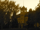 Original title:    Description English: Brandon College building at dusk. Built in 1900-01 in the Romanesque Revival style, the building faces 18th St. in Brandon, Manitoba and is now part of the Brandon University campus. This photo is of a cultural heritage site in Canada, number 3881 in the Canadian Register of Historic Places. Date 25 September 2012, 19:38:48 Source Own work Author Abbeywood  Camera location 49° 50′ 49.20″ N, 99° 57′ 43.20″ W This and other images at their locations on: Google Maps - Google Earth - OpenStreetMap (Info)49.847;-99.962