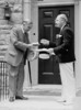 Titre original :  A.J. Haines, M.P.P., presenting Rt. Hon. W.L. Mackenzie King with the key to William Lyon Mackenzie's home.