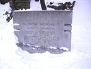 Original title:    Description Français : Monument dédié à Simon McTavish, près du domaine Ravenscrag, 835-1025 Avenue des Pins Ouest, Montréal, Québec, Canada. English: Simon McTavish Monument, near the Ravenscrag Estate, 835-1025 Pine Avenue West, Montreal, Quebec, Canada. Date 25 January 2013 Source Own work Author Thomas1313  Camera location 45° 30′ 21.20″ N, 73° 34′ 55.60″ W This and other images at their locations on: Google Maps - Google Earth - OpenStreetMap (Info)45.505889;-73.582111