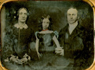Titre original :  Young Mary Baker with her parents - tinted. Image courtesy of Whitehern Museum, Hamilton, Ont.