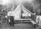 Titre original :  [Joe (Seraphim) Fortes in front of his tent at English Bay] Matthews, James Skitt, Major (1878-1970)