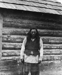 Titre original :  Chief Isadore, Kootenay chief. Date: [ca. 1887]. Image courtesy of Glenbow Museum, Calgary, Alberta.