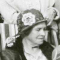 Titre original :  Eliza (Elsie) McAlister Cassels. Detail from City of Red Deer Archives image P7611 (https://reddeer.access.preservica.com/uncategorized/IO_8fd0e225-fda8-473d-853d-90492524504a/).