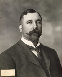 "Titre original :  ""Robert John Hutchings, Calgary, Alberta"", ca. 1900s, [PC-111-6], by Cockburn. Courtesy of the Glenbow Archives, Archives and Special Collections, University of Calgary."