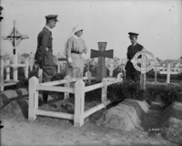 Titre original :  Graves of Maj.-Gen. M.S. Mercer, 3rd Div. & Lt. E.S. Batterell, 15th Infantry Bn. May 1918.