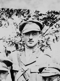 Titre original :  Lieut. Jean Brillant, posthumously awarded the Victoria Cross.