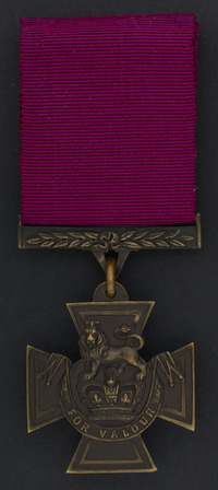 Titre original :  Victoria Cross.