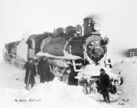 Titre original :  [Canadian Northern Railway locomotive No. 2036 at Mair station Sask.].