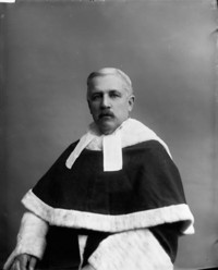 Titre original :  Hon. Désiré Girouard, (Judge Supreme Court of Canada) b. July 7, 1836 - d. Mar. 22, 1911.