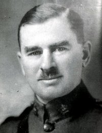 Original title:    Description Frank McGee official Army photo Date 1914 Source Ottawa Sports Hall of Fame Author Canadian Army