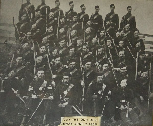 Titre original :  Black and white photo of 53 soldiers in the No. 1 Company of the QOR of C. in Ridgeway June 2, 1866.