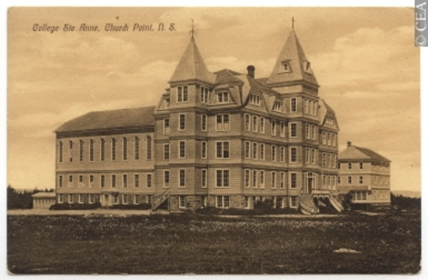 Titre original :  CP592 | Ste. Anne College, Church Point, N.S. | Postcard | M. E. & Company