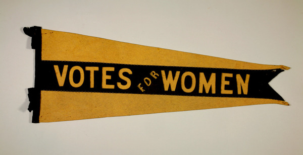 Titre original :  Was there a Suffragist in your family? | The Manitoba Museum